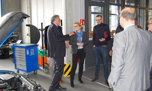 Bildungsministerin Dr. Hubig besucht August-Horch-Schule