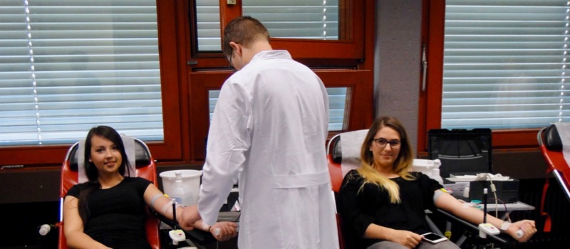 Eine Blutspende kann drei Leben retten